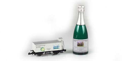 Сувенирный вагон с бутылкой шампанского MARKLIN 80953