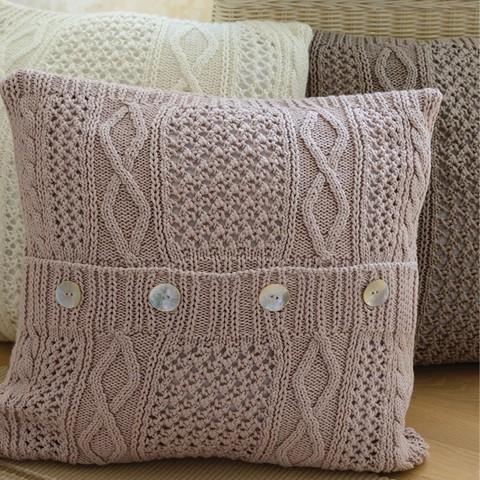 Элитная подушка декоративная Bradford розовая от Casual Avenue