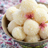 https://static12.insales.ru/images/products/1/975/48022479/compact_coconut_ladoo.jpg